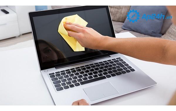 Hướng dẫn vệ sinh Macbook đúng cách